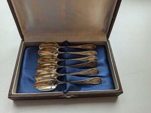 Ложки серебряные 11см. 6шт. в подарочном коричневом футляре (антикварные)